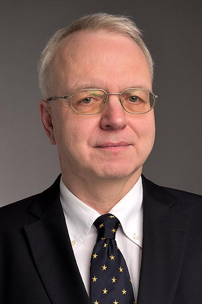 Dr. Oliver Welp